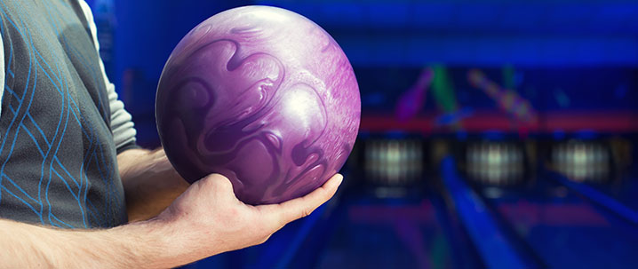 How to hold the bowling ball